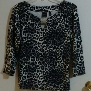 WOMENS SZ L 3/4 SLEEVED TOP EUC
